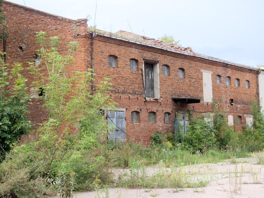 Apleisti pastatai miesto centro nepuošia