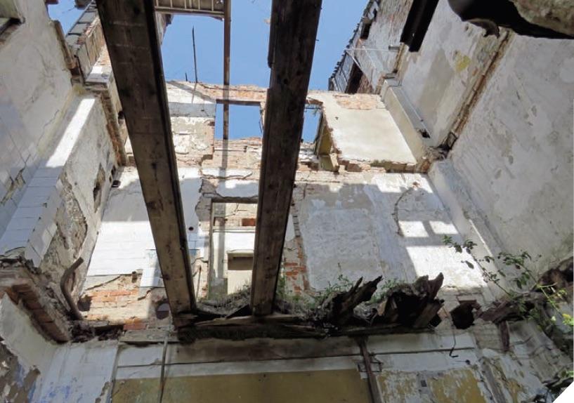 Suremontuoti senąjį pastatą vilties neliko